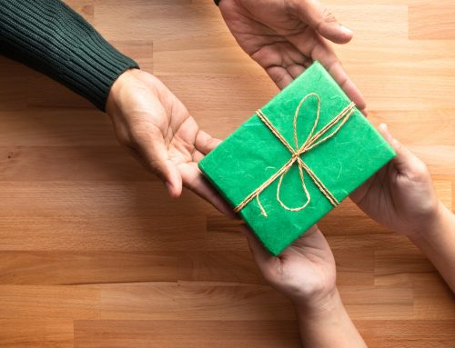Financially Savvy Gifts for Friends and Family
